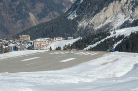 Cessna 172 / F-BXZS / Private / Courchevel ( CVF /  LFLJ )