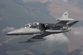 El juego de las imagenes-http://www.planes.cz/photo/1114/1114071/l159t1-6046-czech-air-force-cef-off-airport.jpg