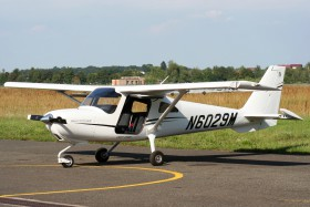 Cessna 162 Skycatcher / N6029M / Delta system-air / Hradec Kralove ( LKHK )      Click to see full-size photograph