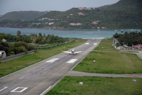 Pilatus PC-12/47 / N429PC / Private / Saint Barthélemy ( SBH / TFFJ )