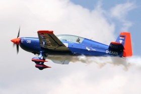 Extra 330LT / D-EAXN / Private / Roudnice nad Labem ( LKRO )