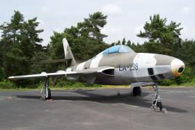 Odstavená a vystavená letadla